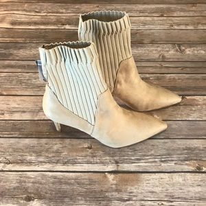New With Tag Zara Suede Booties Size 9